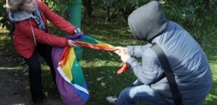 <!--:fa-->بازداشت تظاهر کنندگان روسی و ادامه ی ممنوعیت تبلیغ برای حقوق اقلیت های جنسی<!--:-->