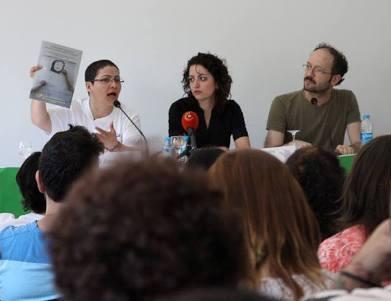 بسیاری از روزنامهها، خبرگزاریها و تلوزیونهای ترکیه برای پوشش خبری مراسم در سالن حضور داشتند و خلاصهای از گزارش درباره تغییر جنسیت اجباری در اختیار آنان قرار گرفت