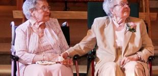 ازدواج زوج لزبین امریکایی در ۹۰ سالگی