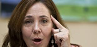 ماریلا کاسترو در مجلس کوبا به قانون ضد تبعیض کار  به دلیل عدم مشمولیت کافی رأی منفی داد