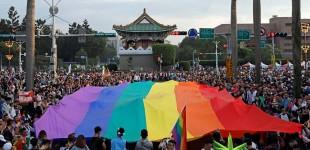 دهها هزار نفر در تایوان بزرگترین جشن افتخار آسیا را رقم زدند