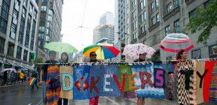 """""""موضوع همیشه سیاسی است""""؛ راهپیمایی لزبینها در شهرهای متعدد برگزار شد"""