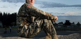 دعوت سخنگوی مجلس نمایندگان آمریکا از دو ترنسجندر ارتشی به کنگره