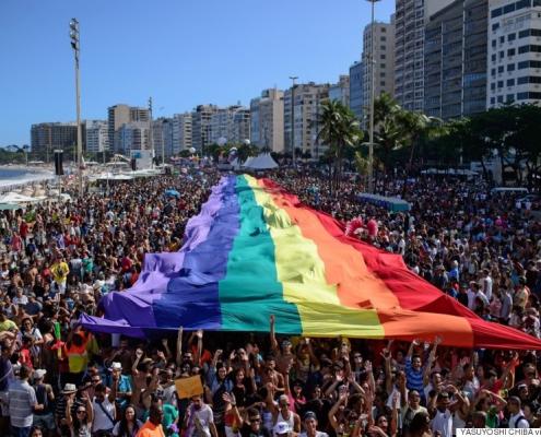برزیل از همجنسگراستیزی و ترنسستیزی جرمانگاری کرد.